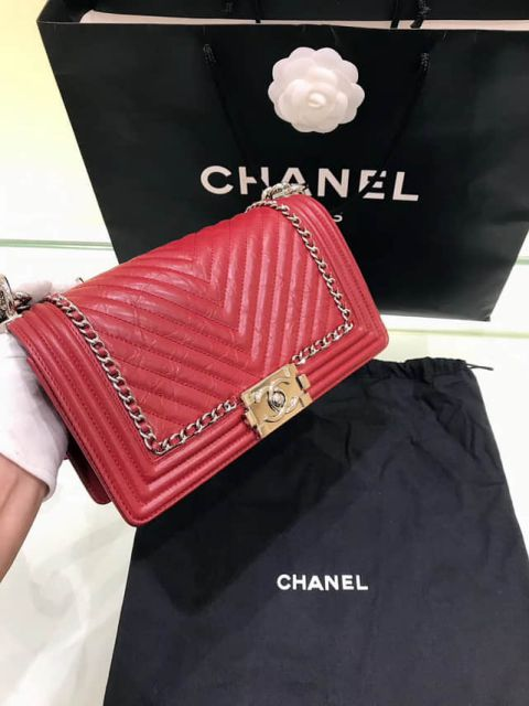 CC Boy Medium V Leather Red Shoulder Bags Women Bags