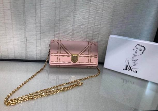 17 CD AMA RIVET LEATHER CHAIN BAGS PINK