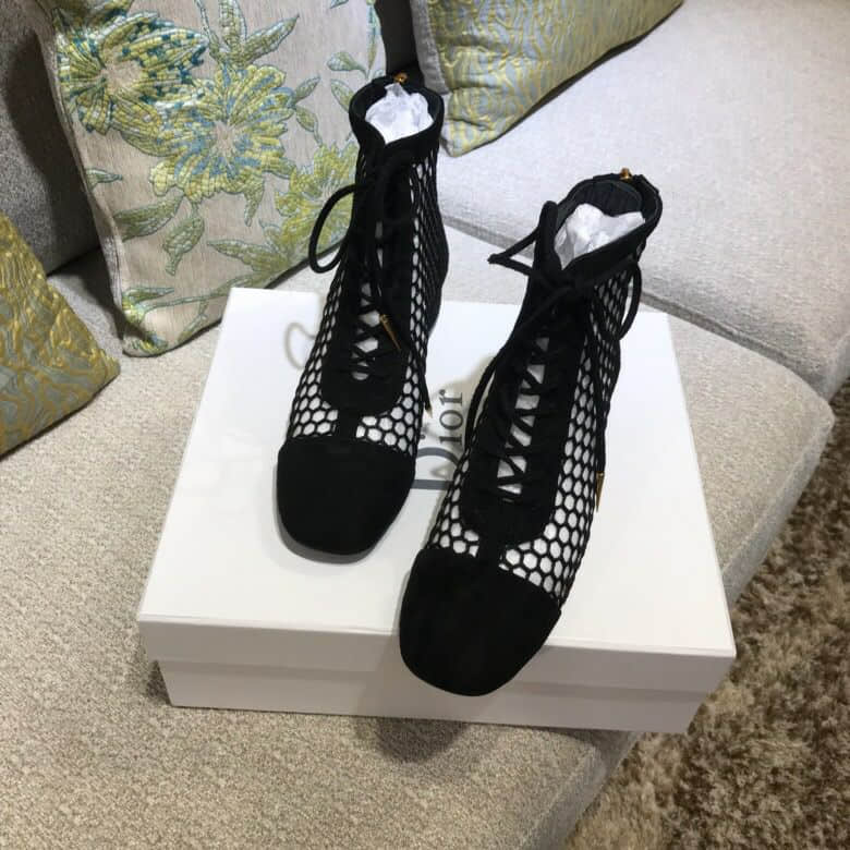 CD BLACK LEATHER 18SS CUTOUT SHORT BOOTS