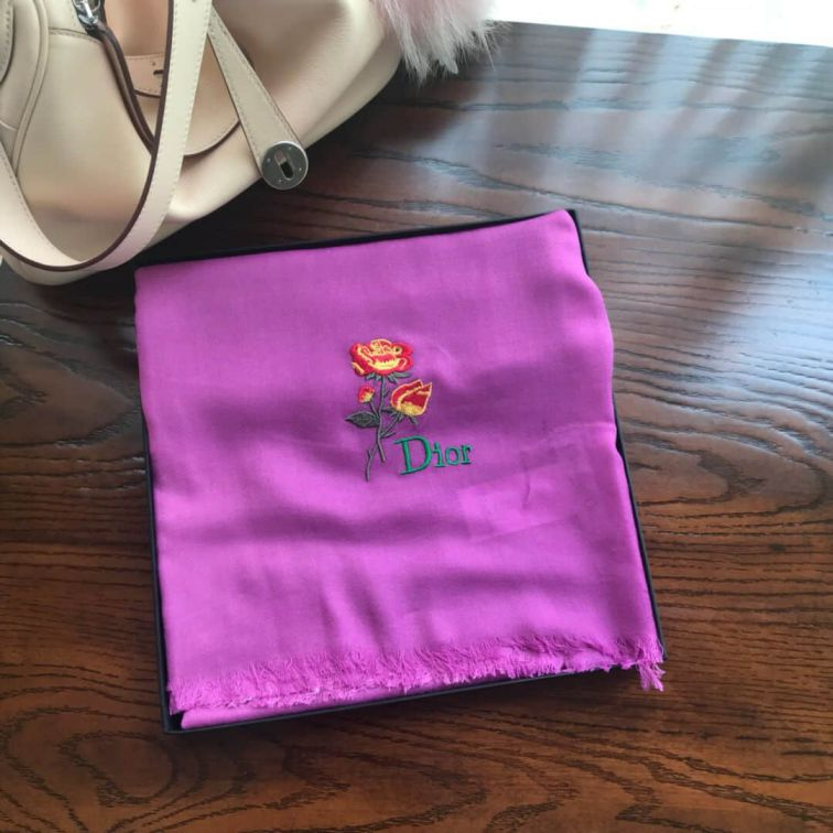 "CD ""CD""IO CASHMERE SCARVES"
