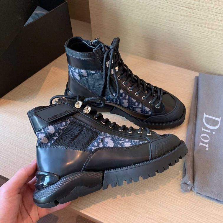 19FW CD BABY MARTIN BOOTS
