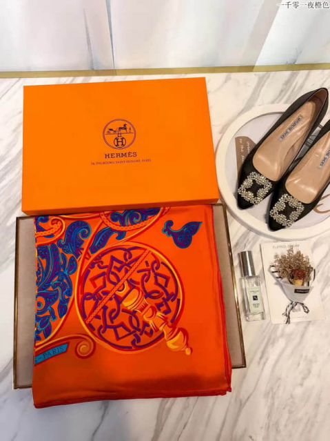 Hermes Women Scarves