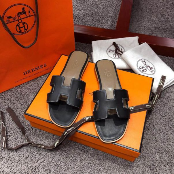 Hermes Leather Classic Women swift Slippers