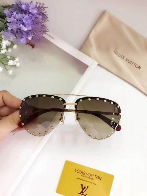 LV Women Sunglasses