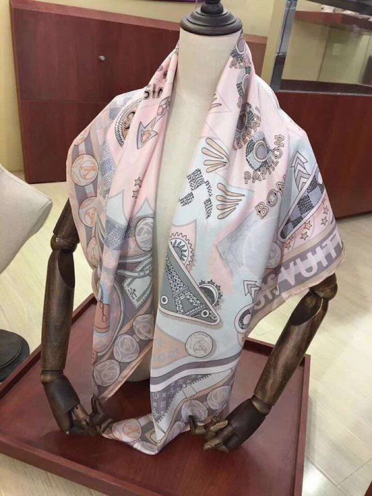 2018 LV 110*110cm Silk Square Women Scarves