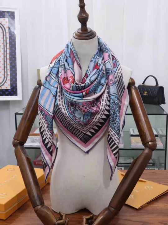 2018 LV Square Women Scarves