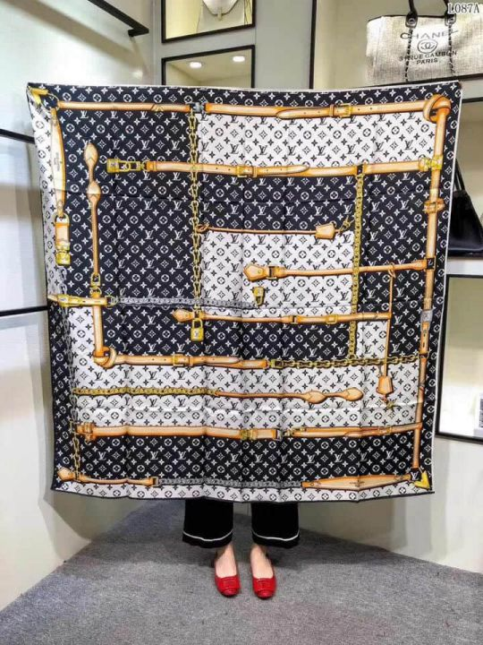 2018 LV Silk Square Women Scarves