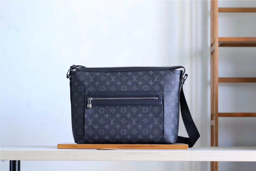 LV 2018 Medium Odyssey Messenger M44224 Shoulder Bags