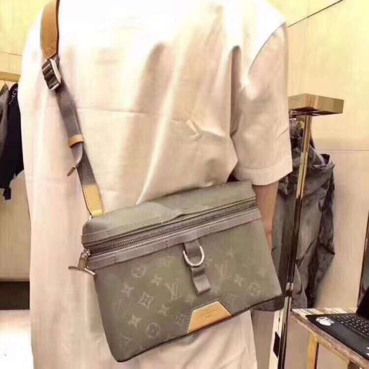 LV 2018 Canvas Messenger Small Messenger M43889 Shoulder Bags