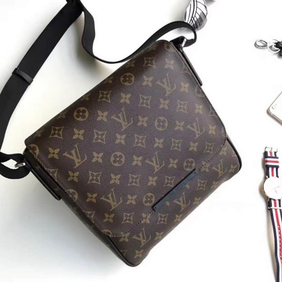 LV M40935 District Small Monogram Macassar Canvas Men Crossbody Shoulder Bags