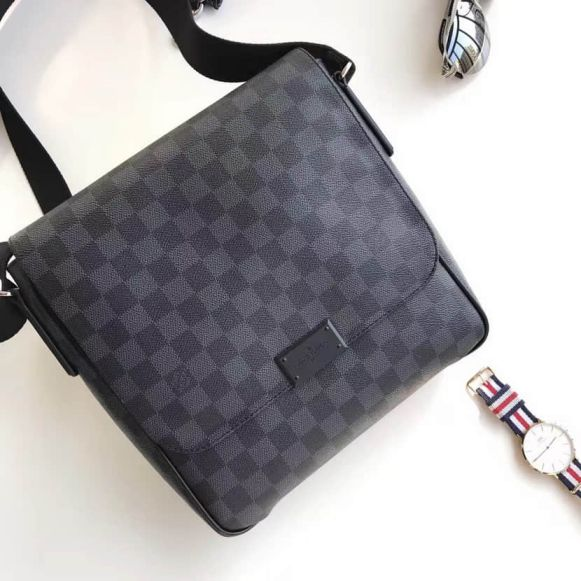 LV N41260 District Small Damier Graphite Black Canvas Men Crossbody Shoulder Bags