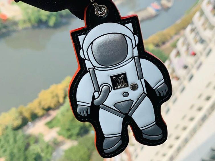 LV Spaceman Figurine Key Chain MP2212 Accessories