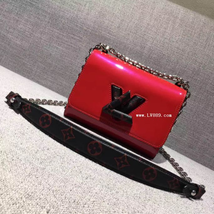 LV Shoulder Bags M54245TWIST On Chain