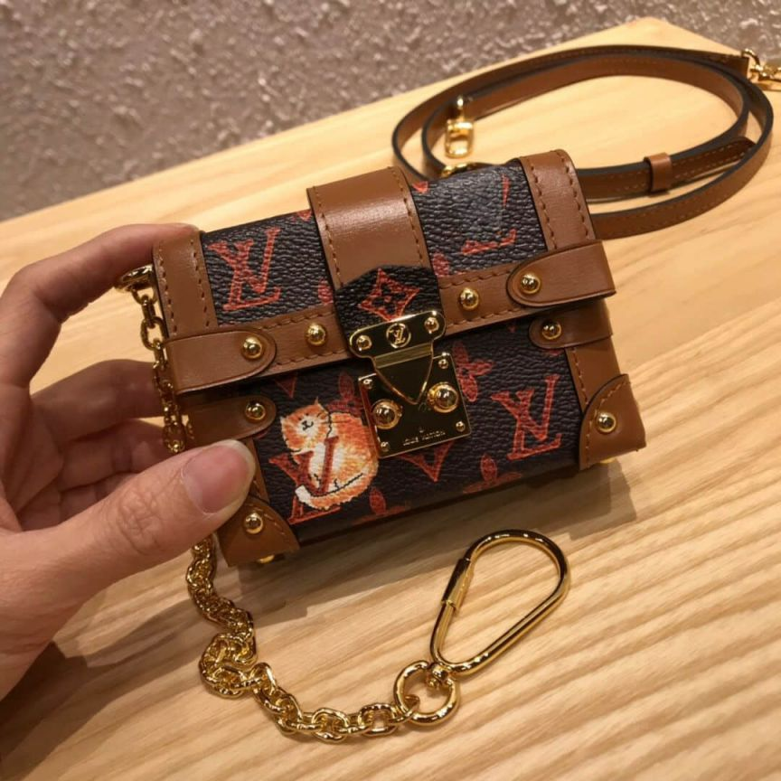 LV Shoulder Bags 2019 mini