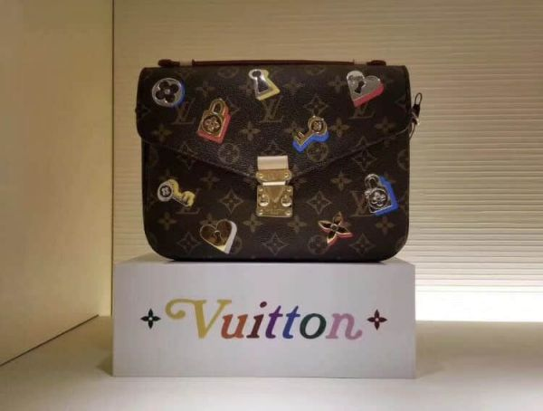 LV Shoulder Bags 19 METIS Messenger Bag M44366