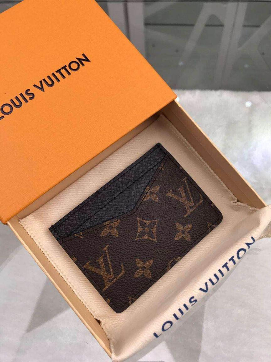 LV Card Holder M60166