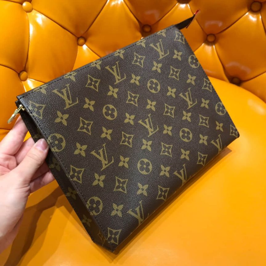 LV Clutch Bags M47542 TOILETRY POUCH 26