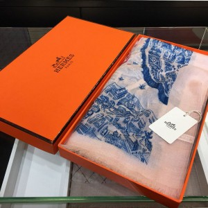Hermes 'City of Horses' 100% top pure cashmere scarf