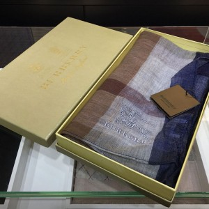 Burberry Knight Lightweight Check 100% Pure Cashmere Scarf